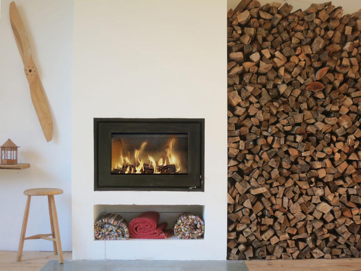 Modern Scandinavian Fireplace: Modern Built-in Fireplace Insert
